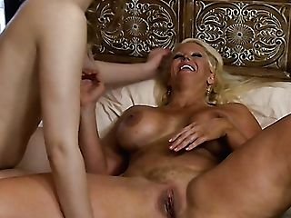 Fairly Horny Girl-on-girl Scarlett Fever Perceives Excellent When She Gets Cuni