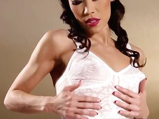 Asian Bombshell Kalina Ryu Frigs Her Moist Cootchie
