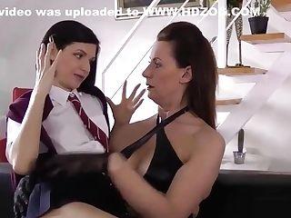 English Mummy Licks Cooter