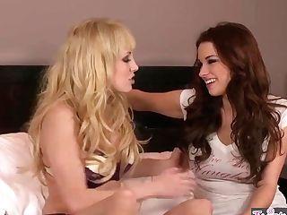 Twistys - Nice Youthfull Girly-girl Teenagers Kiara Diane , Sabrina Maree Munch Cooch